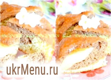 Бісквітний пиріг з грушами