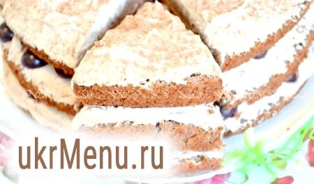Бісквітний торт з кремом у мультиварці