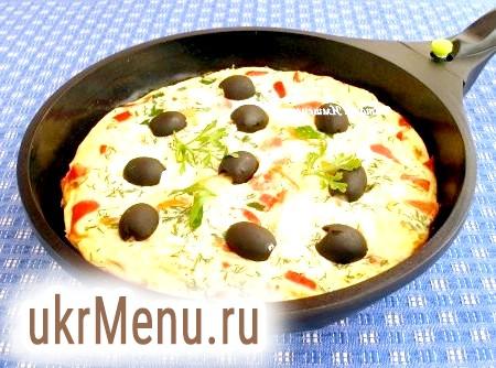 Болгарський омлет з сиром і помідорами