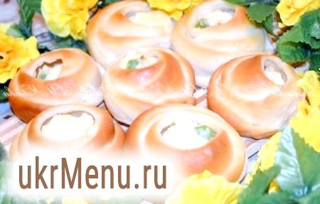 Фото - Смачні булочки з сирною начинкою готові.