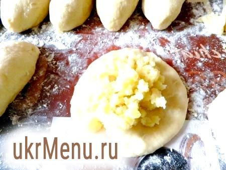 Як приготувати вареники з картоплею