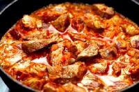 Гуляш з яловичини рецепт з підливою, як приготувати
