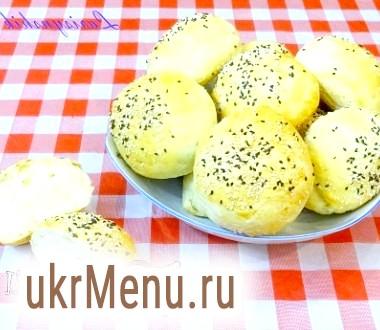 Хлібні булочки з кунжутом