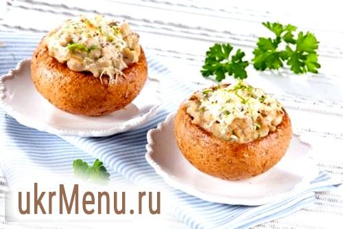 Фото - Жульєн з куркою і грибами в булочці