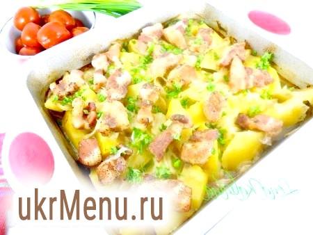 Картопля, запечена зі свинячої грудинкою
