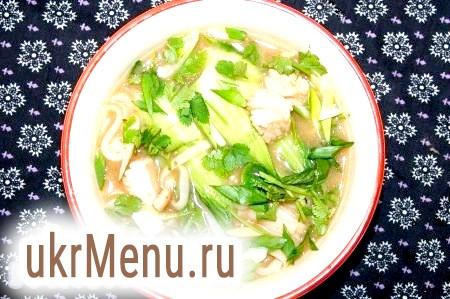 Китайський суп з локшиною