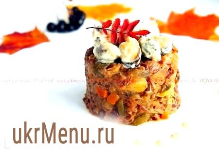Червоний рис з мідіями і овочами під вершковим соусом