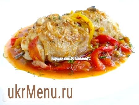 Курка з болгарським перцем, помідорами та печерицями