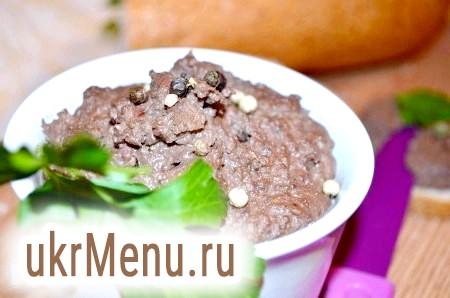 Курячий печінковий паштет з чорносливом і грецькими горіхами