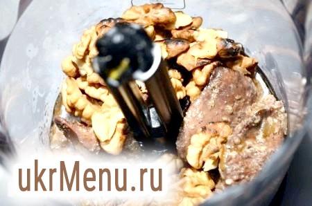 Фото - Перекладаємо всі інгредієнти в блендер, подрібнюємо.