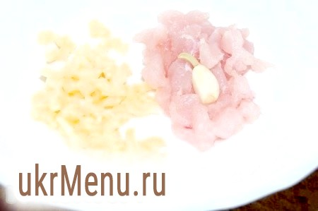 Курячий суп з грибами і китайською капустою