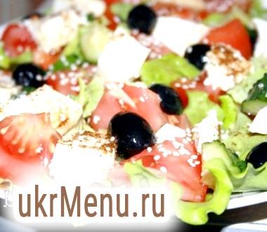 Легкий овочевий салат з соєвим сиром тофу