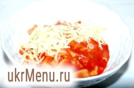 Макарони з томатним соусом