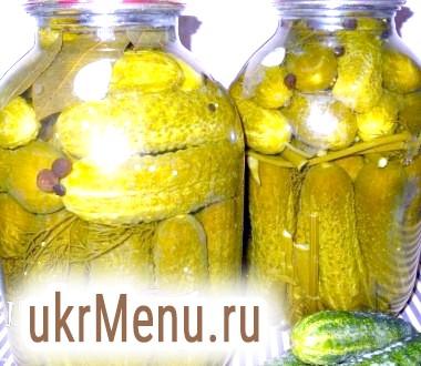Мариновані огірки з насінням гірчиці