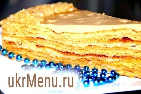 Медовий торт зі згущеним молоком