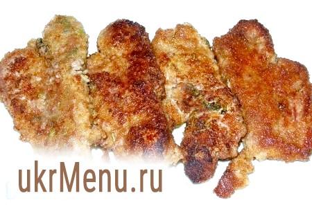 Фото - Коли м'ясо по-аргентинськи буде готове, перекладаємо його на блюдо.