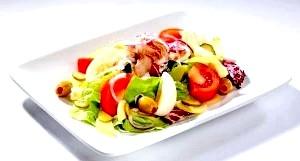 Різноманітні салати з тунця