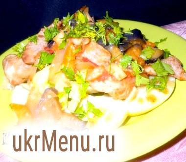 Молода картопля зі свининою і баклажанами
