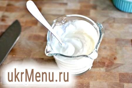 Ніжний крем з ряжанки: ідеально для тортів і салатів!