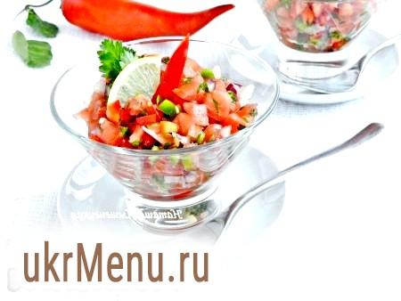 Гострий салат з помідорів і перцю