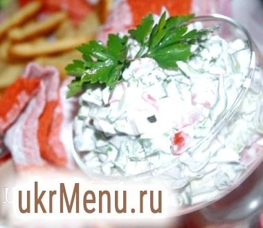 Овочевий салат з копченою курячою грудкою