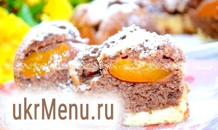 Пиріг з консервованими абрикосами