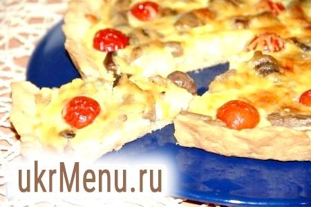Пиріг з куркою, грибами і сиром