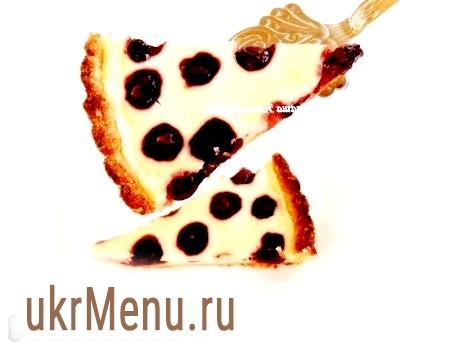 Пиріг з сиром і вишнею