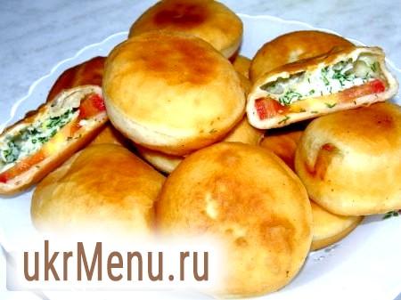 Пиріжки-бомбочки з помідорами і сиром
