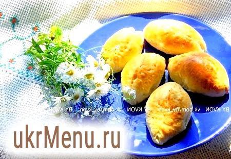 Пиріжки з капустою і яйцем в духовці