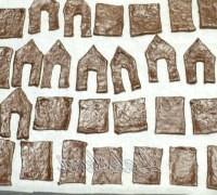 Фото - Крок №6 - Деко застилає пекарської папером, акуратно переносимо деталі будиночків.