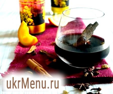 Пряне вино в холодну пору року: рецепти класичного і імбирного глінтвейну