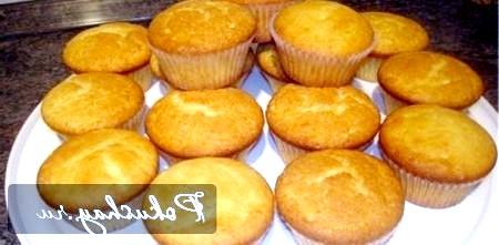 Прості домашні кекси на кефірі