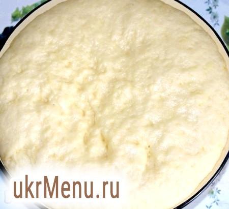 Фото - Опарне дріжджове тісто залишаємо на 1,5-2 години, поки воно не збільшиться в розмірах.