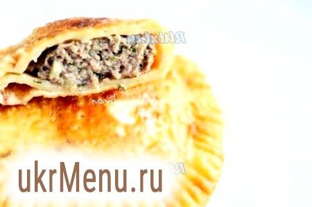 Рецепт соковитих чебуреків з м'ясом