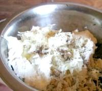 Фото - Крок №3 - Потім сирний сир, часник, перець і сіль.