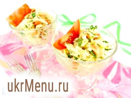 Салат з пекінської капусти, помідорів і сиру