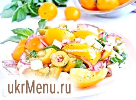 Салат з помідорів з базиліком