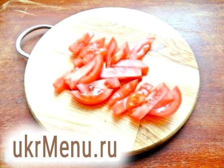 Фото - Нарізати помідори.