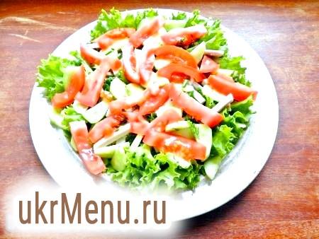 Фото - Потім додати огірки і помідори.
