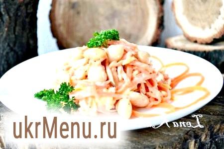 Салат з квасолею, куркою і корейської морквою