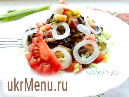 Салат з грибами і картоплею