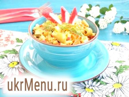 Салат з крабовими паличками і корейської морквою