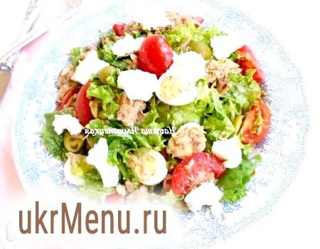 Салат з тунцем і яйцями