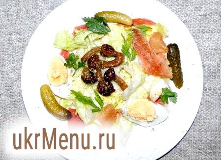 Салат з шинкою і грибами