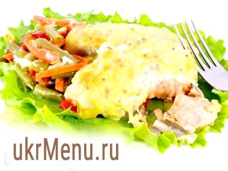 Сьомга, запечена з овочами