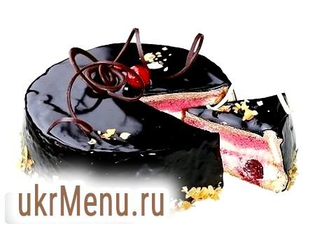 Шоколадно-вишневий торт з коньяком на свято 14 лютого
