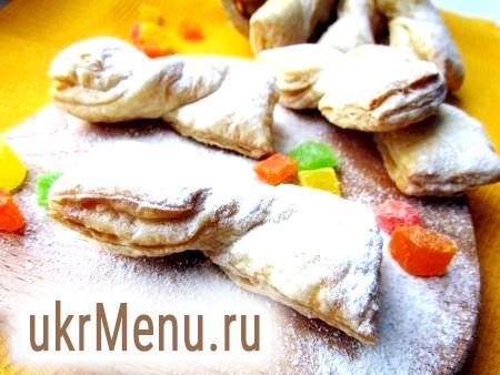 Фото - Випікати печиво до рум'яної скоринки близько 15 хвилин при температурі 190-200 градусів. Готове печиво