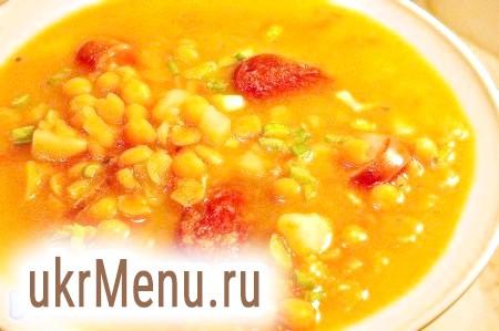 Суп гороховий з копченими ковбасками і сосисками