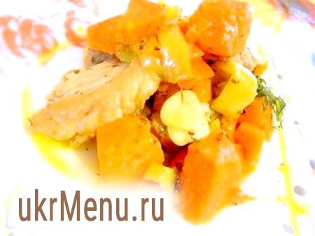 Свинина з овочами на сковороді